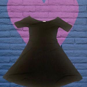 Hearts & Hips little black dress small